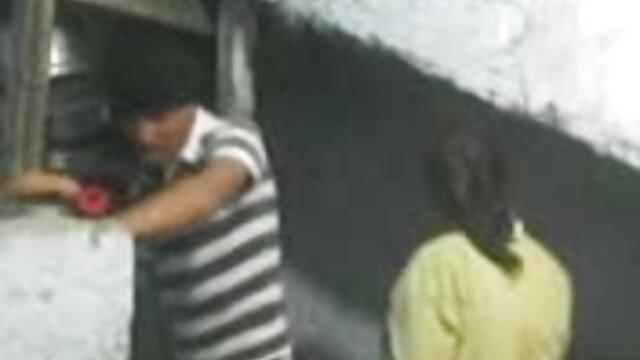 মাই এর অসাধারন ব্লজব আকর্ষণীয় বাঁড়ার রস খাবার www বাংলা xxx video com