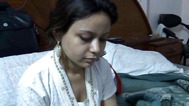 আপনি পত্রিকা দিয়ে xxx বাংলা video স্ক্রল করতে পারেন এবং যৌন ছিল