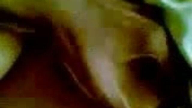 আদ্রিয়ান, স্বামী, স্ত্রী, বাংলাxxx video hd বাবা, তার তেজী ভাইয়ের টেবিলের উপর অনাবাসিক যৌনসঙ্গম.