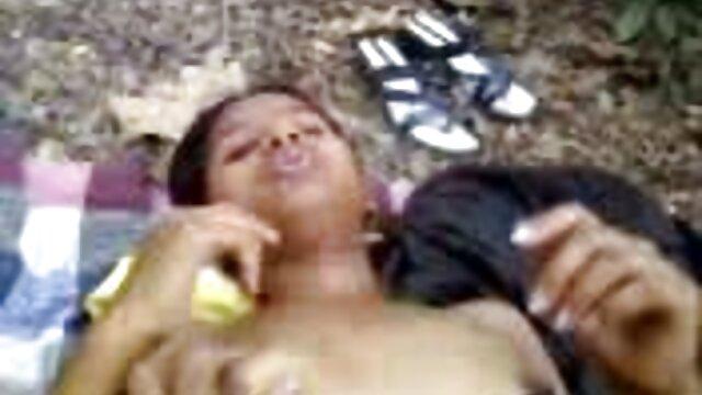 সাদাসিধা স্ত্রী বাংলা video sex গৃহিনী