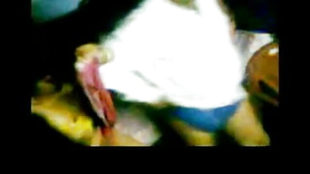 জার্মান স্বর্ণকেশী চাঁচা গুদ থেকে অনুভূতি সঙ্গে x vido বাংলা একটি লোক মধ্যে বিছানা